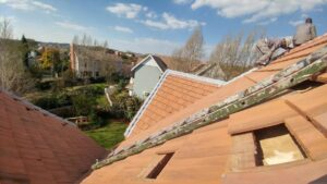 Maintenance on a high pitch tile roof